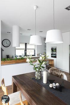 Dom w Bochni - Średnia otwarta jadalnia w salonie, styl skandynawski - zdjęcie od STABRAWA.PL - pozytywny design
