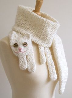 Cat Cuddler Scarf Crochet Pattern - Kara would love this. I might have to learn to crochet! Crochet Kids Scarf, Crochet Scarves, Crochet For Kids, Crocheted Scarf, Gato Crochet, Cat Scarf, Bees Knees, Crochet Animals, Diy Fashion
