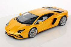 Collectable resin model Lamborghini Aventador S in Giallo Orion colour by MR Collection Models  #Lamborghini #ModelCars #SuperSportsCar #LamborghiniClub #diecast #diecastphotography #diecastcollector #diecastcollection #diecastcars #118 #118Scale #118Diecast