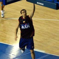 Juan Ignacio Sánchez Brown, también conocido como Pepe Sánchez , es jugador profesional de baloncesto argentino - española . Él es un armador . Formó parte del equipo de la medalla de oro olímpica de Argentina 2004