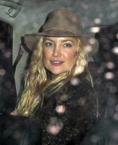 Kate Hudson Photos: Celebrities Dine Out At The Nice Guy Restaurant