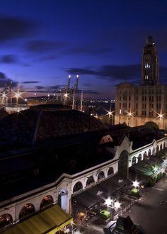 Montevideo. Mercado del Puerto y Edificio de la Aduana