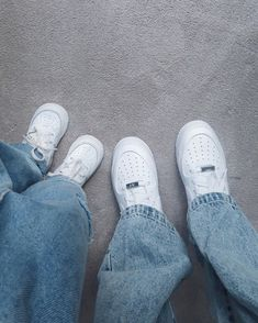 Grunge Shoes, White Nike Shoes, Skater Style, Cute Baby Pictures, Cute Jeans, Sweet Couple, Cute Couples Goals, Baby Size, Cute Casual Outfits