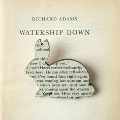 Watership Down  broche de lapin. Broches livre par houseofismay