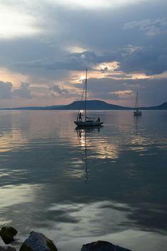 Spa Water, Beautiful Moon, Seaside, Serenity, Scenery, Meet, Ocean, Goals, Sunset