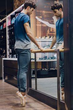 Bloch Australia - Men en pointe - pointe shoe fitting for The Dream