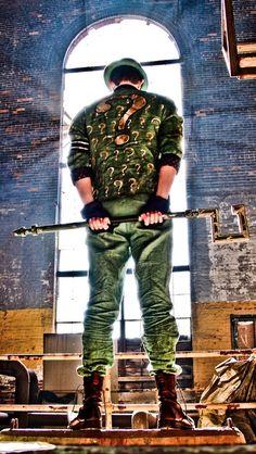 Kick ass cosplay of the Riddler from Batman: Arkham City.