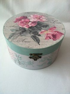 Trandafiri vintage Decoupage Box, Decoupage Vintage, Tea Box, Hat Boxes, Trinket Boxes, Napkin, Chalk Paint, Recycling, Decorative Boxes