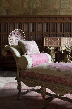 Ornate chaise..Love the shell on the back