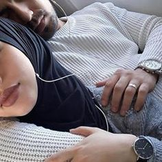 Silver Bracelet For Womens India Refferal: 2223009461 Couple Musulman, Cute Love Couple, Cute Couple Pictures, Couple Goals, Cute Muslim Couples, Muslim Girls, Cute Couples Goals, Muslim Couple Photography, Girl Photography Poses