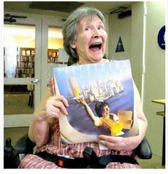"""""""The Supertramp 'Breakfast In America' waitress is now 95 years old https://t.co/7XBlJaP07B"""""""