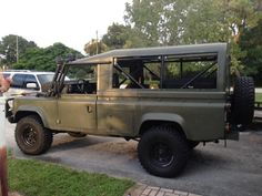 The Jolly Rover :: 2013 Land Rover 1987 Defender 110 Tithonus - Defender Source