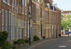 Net als in vele andere steden in Nederland schittert de straatverlichting van DE NOOD in Dordrecht.