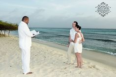 Renewal of vows on Aruba away from all the tourists, noise and passerby's is intimate and romantic