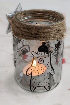 DIY Windlicht - Weihnachten basteln: Kleine Geschenke persönlich basteln macht nicht nur Spaß, sondern ist mit diesem Gläser Upcycling auch einfach möglich. Denn zum Windlichter basteln braucht es nicht viel. Die Bastelanleitung gibt es hier.