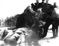 Lorenzo-Bandini-estratto-dalla-Ferrari-incidente.png (744×578)