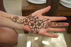 Mehndi Design Henna Art: Short Simple Hand Mehndi Design No 08