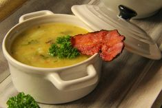 V kuchyni vždy otevřeno ...: Květáková polévka se slaninou