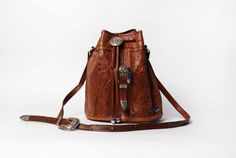 Hand Tooled Floral Design Leather Purse || American West