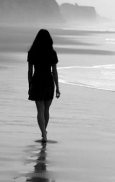 Nourish my soul.Hoping to find more time for solitude and reflection in Black White Photos, Black And White Photography, Les Continents, Beach Walk, Beach Feet, Beach Pictures, Belle Photo, Senior Pictures, Senior Pics