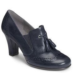Bank Role in navy at Aerosoles
