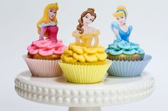 DIY Disney Princess Cupcakes - http://cakesmania.net/diy-disney-princess-cupcakes/