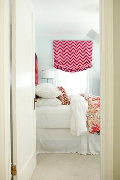 Blue walls and red zig zag roman Girl Bedroom Designs, Girls Bedroom, Cool Curtains, Chevron Curtains, Roman Curtains, Curtain Fabric, Fluffy Bedding, Window Styles, Curtain Designs