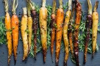 Roasted Carrots with Balsamic Herb Glaze - superman cooks Balsamic Glazed Carrots, Baked Carrots, Roasted Carrots, Tri Colored Carrots Recipe, Chicken Enchilada Pasta, Vegetarian Side Dishes, Vegetarian Recipes, Recipes, Gourmet