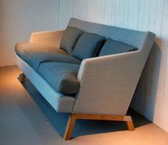 Gothem tresits-soffa med ben i ek. Sofa, Couch, Love Seat, Art Pieces, Interior, Furniture, Design, Home Decor, Decoration Home