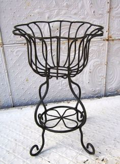 Wrought Iron Sally Plant Stand Flower Planter