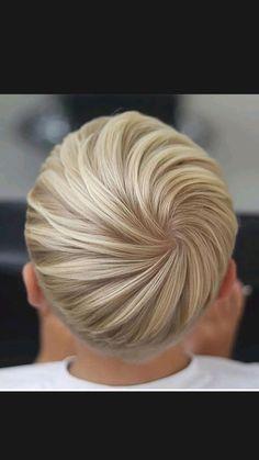 Natural Hair Pixie Cut, Pixie Haircut For Thick Hair, Thin Hair Haircuts, Pixie Hairstyles, Natural Hair Styles, Easy Hairstyles, Short Hair Older Women, Short Sassy Hair, Older Women Hairstyles