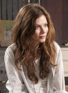 Flighty, unpredictable, prone to outbursts of rage. She loves her daughter but does not feel up to the task of parenting. She has a deep, close bond with Ann Meehan. Classic Actresses, British Actresses, Beautiful Actresses, Actors & Actresses, Anna Friel Marcella, Long Hair Tips, Dark Beauty, Love Hair, About Hair