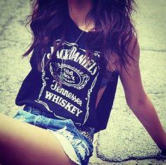 t-shirt top black jack daniel's jack daniels skinny gorgeous shorts badass thigh hot ass Jack Daniels Tank Top, Hotpants Jeans, Mode Cool, Summer Outfits, Cute Outfits, Summer Shorts, Summer Clothes, Look Fashion, Summer Styles