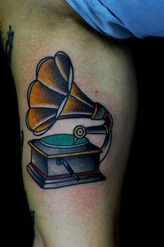 Brice Gomes #tattoofriday - 20 tatuadores brasileiros para seguir no Instagram