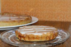 Tapitas y Postres: Pastel glaseado de frutos secos.