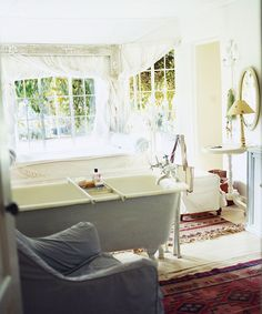 Excellent Cost-Free white Bathroom Rugs Thoughts Finding cotton rugs isn't roc. - Excellent Cost-Free white Bathroom Rugs Thoughts Finding cotton rugs isn't rocket science. All yo - Large Bathroom Rugs, White Bathroom, Small Bathroom Inspiration, Bathroom Ideas, Painting Bathroom Cabinets, Rug Placement, Classic House, Cotton Rugs, African