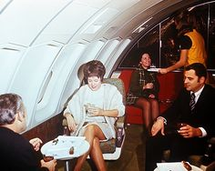 1970 ad for 747 interiors http://blog.delta.com/wp-content/uploads/dl_boeing_747_interior.jpg