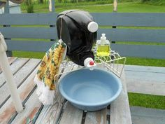 for Stress-Free Camping Idea for a handwashing station at your campsite! 12 Secrets for Stress-Free CampingIdea for a handwashing station at your campsite! 12 Secrets for Stress-Free Camping Diy Camping, Camping Hacks, Camping Am See, Truck Camping, Camping With Kids, Family Camping, Tent Camping, Outdoor Camping, Camping Ideas