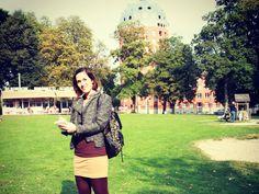 """Wat maak je? """"Ik maak de blog www.wijmakenbreda.nl. Ik ben de site een jaar geleden begonnen. Elke week plaats ik korte portretten van mensen die ik in de stad tegenkom. Aan de hand van de verhalen..."""