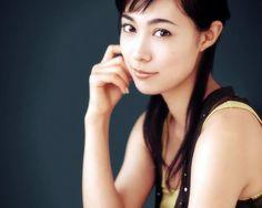 【グラビア・画像】女優の吹石一恵さん(33)が福山雅治さんとバースデー婚──。めでたいのでグラビア画像を貼ってくwww【三次画像.idol】