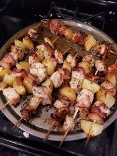 Ranch Chicken, Bacon, and Potato Shishkabobs - Site Title Ranch Chicken, Chicken Bacon, Chicken Recipes, Chicken Potatoes, Kabob Recipes, Grilling Recipes, Cooking Recipes, Cooking Fails, Recipies