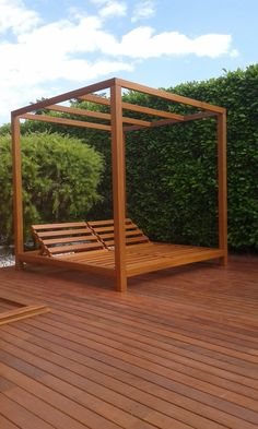 Manufacture of Balinese style bed with tropical list Whilst old inside strategy, your pergola Tropical Backyard Landscaping, Landscaping Around Pool, Backyard Pool Designs, Backyard Patio, Outdoor Daybed, Diy Outdoor Furniture, Garden Deco, Design Jardin, Outside Patio