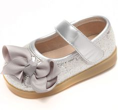 princess-bow-maryjane-girls-toddler-squeaky-shoes-silver-sparkle.jpg