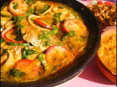 Moqueca de Peixe - Brazilian food - one of my fave meals from Salvador de Bahia, Brasil Brazilian Fish Stew, Portuguese Recipes, Fish And Seafood, Seafood Stew, Recipe Of The Day, Love Food, Favorite Recipes, Stuffed Peppers, Healthy Recipes