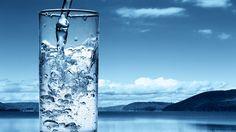 ¿Es realmente beneficioso beber como mínimo 2 litros de agua al día?