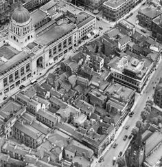 I remember the glass panel in the bar floor where you could see the cellars below. When did it finish trading as a pub? Nottingham City, History Photos, Town Hall, Train Station, Paris Skyline, Britain, England, Horses, Ancestry