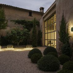 This stylish Meridiano Outdoor Floor lamp was created by Meritxell Vidal and Jordi Vilardell for leading design company Vibia.When it comes to light, Vibia prid Modern Outdoor Wall Lighting, Outdoor Floor Lamps, Patio Lighting, Outdoor Wall Sconce, Exterior Lighting, Landscape Lighting, Outdoor Walls, Unique Lighting, Indoor Outdoor
