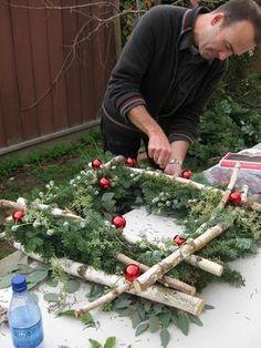 Snowy Tree Winter & Christmas DIY Tischdekoration {in 20 Minuten! Natural Christmas, Outdoor Christmas, Rustic Christmas, Simple Christmas, Christmas Holidays, Christmas Wreaths, Christmas Ornaments, Christmas Planters, Outside Christmas Decorations