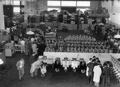 1952 São Paulo Inaugurada  Lambretta do Brasil S.A. se instalou na Lapa, em 1955.  No ápice da produção, no final da década de 50 (foto), a indústria chegou a superar 50 mil