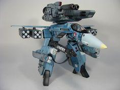 Nice Strike VF-1 fighter